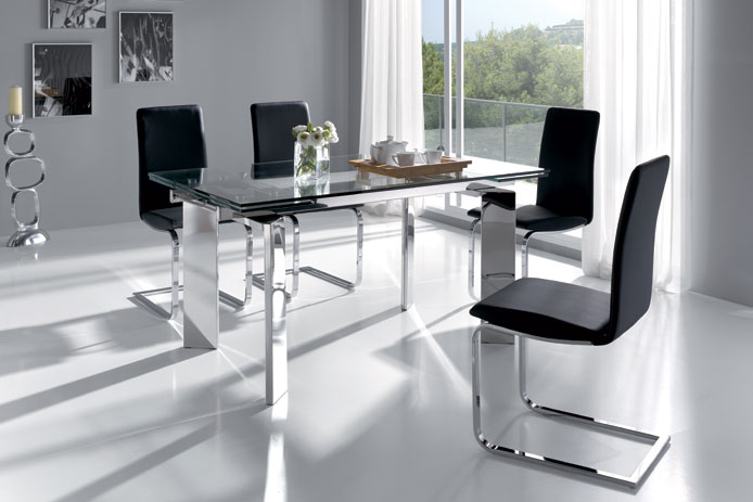 Mesa de comedor extensible y cristal outlet de muebles for Mesas para salon baratas
